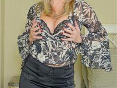New.Doamna matura cu experienta 43 ani